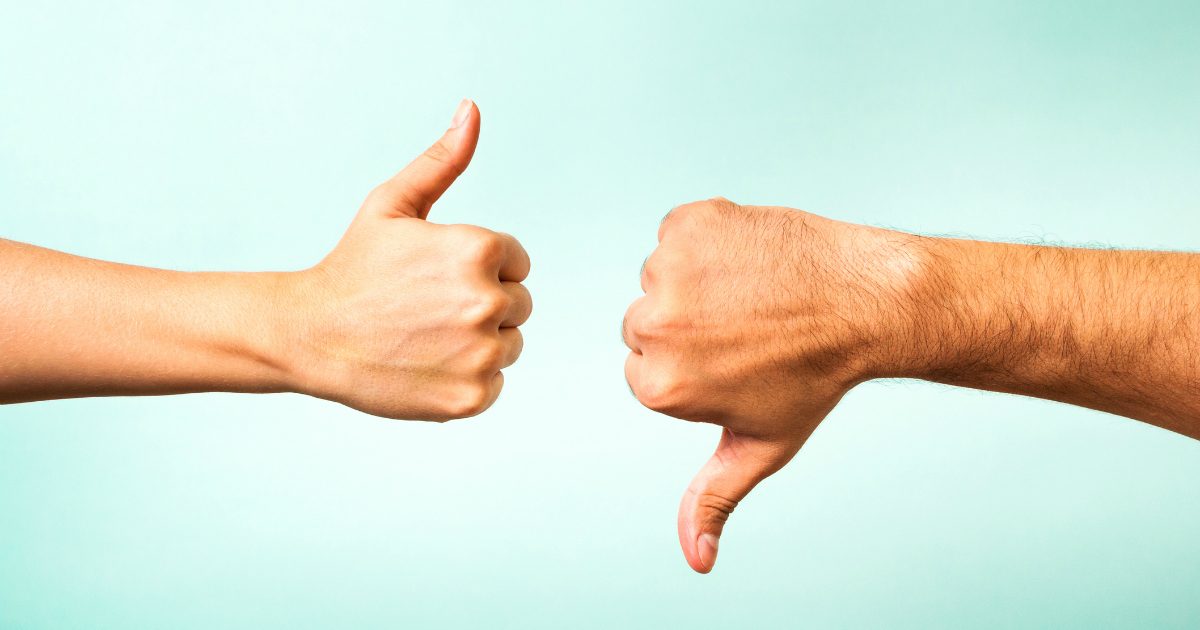 thumbs up thumbs down 10 Mistakes Real Estate Agents Make When Creating Facebook Ads